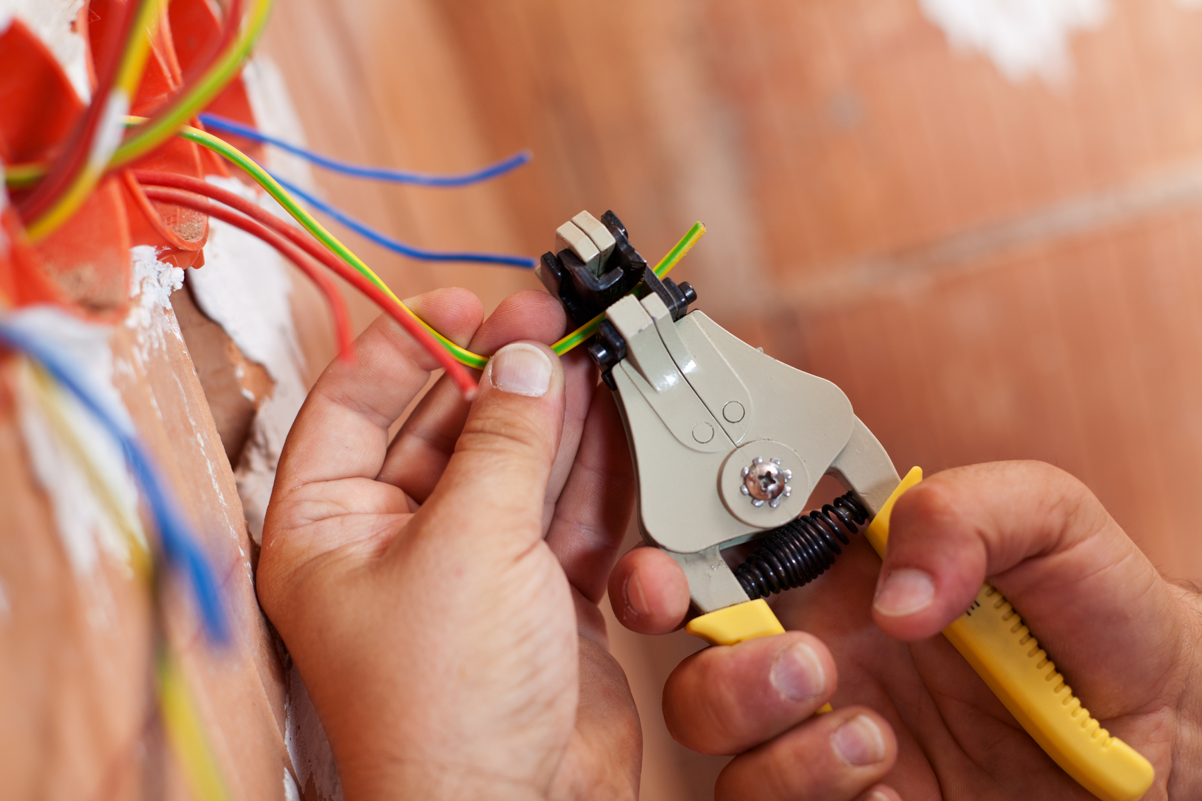 Electrical repairs and fault finding by Repair Paradise